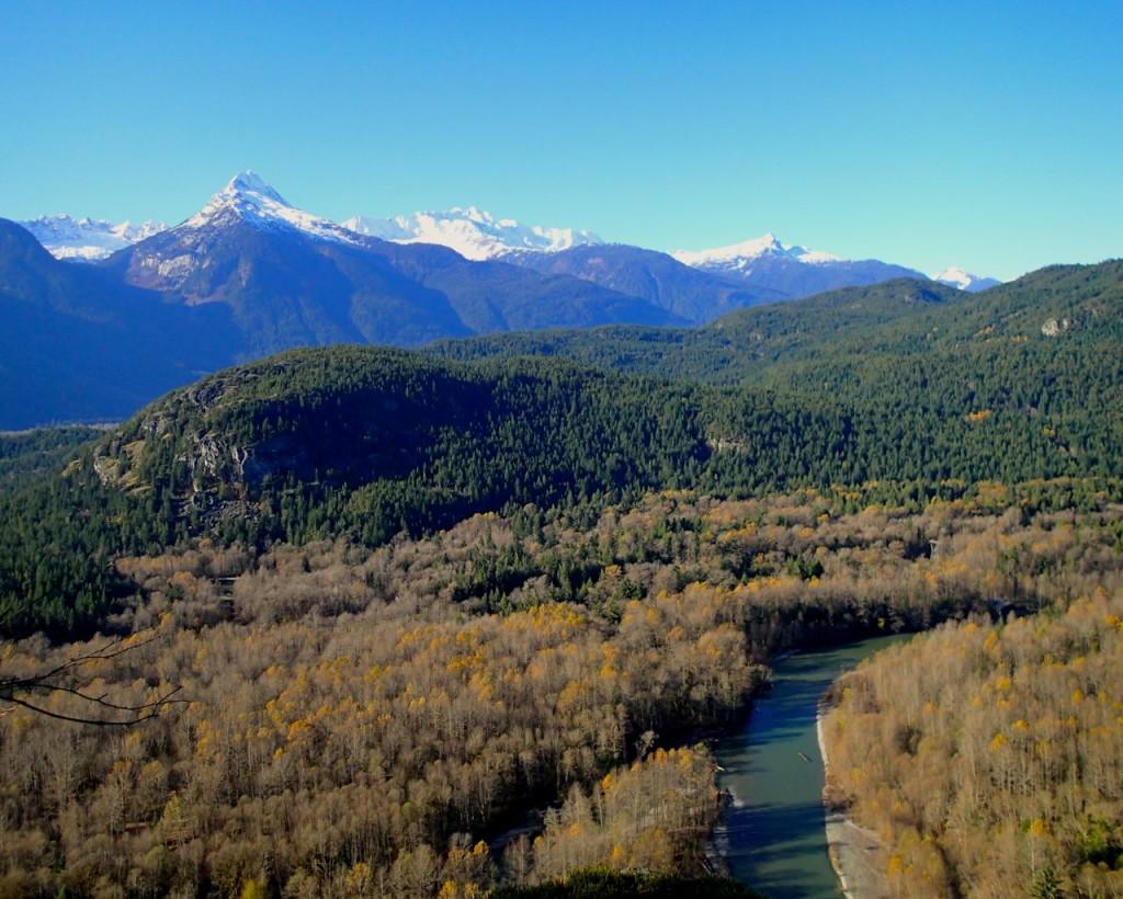 Views on the Brohm Lake trail