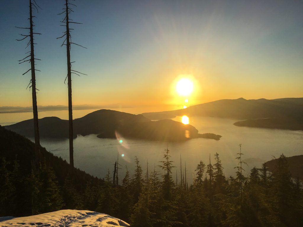 Bowen Lookout snowshoe trail at Cypress Mountain near Vancouver, BC. The Ultimate Guide to Snowshoeing in Vancouver.