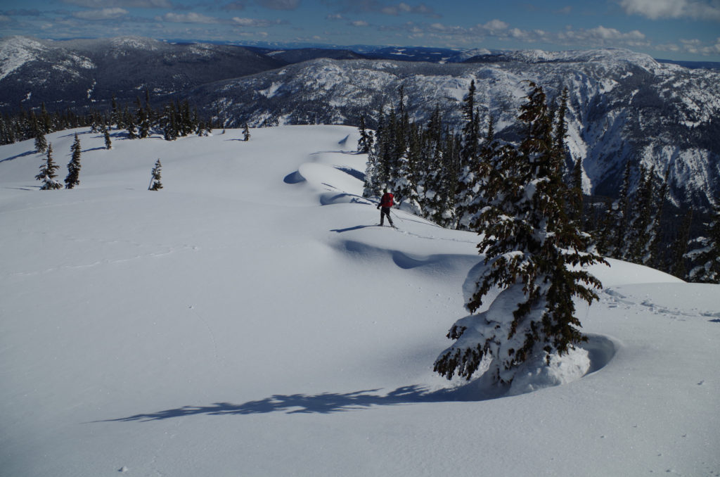 Snowshoeing on Zoa Peak on the Coquihalla. Read about how to snowshoe here in the Ultimate Guide to Snowshoeing in the Fraser Valley near Vancouver, BC, Canada