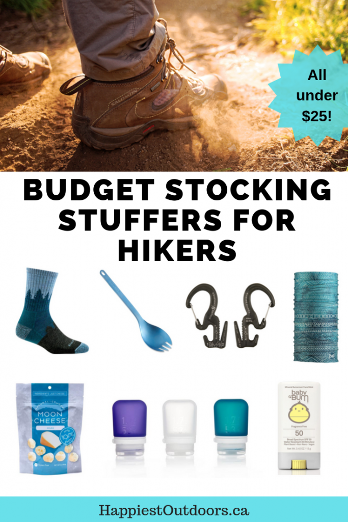 Budget stocking stuffers for hikers. 25 stockings stuffers for the outdoorsy person on your list, all under $25. Budget gifts for hikers. Cheap gifts for hikers. Stocking stuffers for hikers. #stockingstuffer #hiking #hikinggifts
