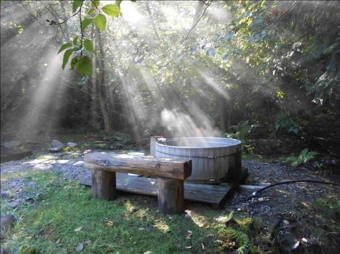 Tsek Hot Springs