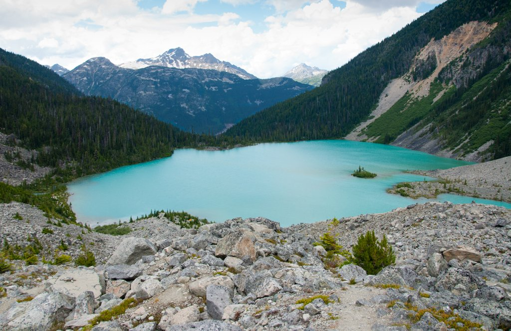 The view of Upper Joffre Lake from above. One of the best hikes in Whistler