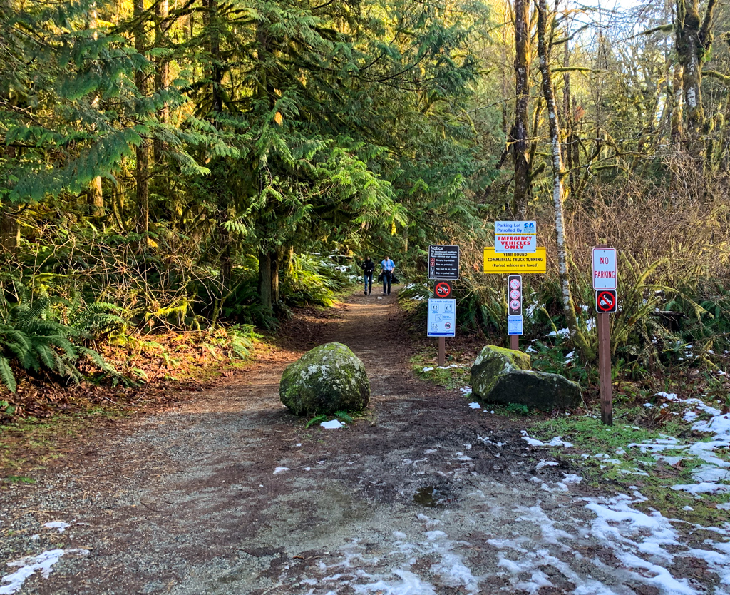 The start of the Skookumchuck Narrows trail