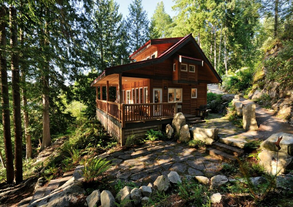 Moon Dance Cabin in Pender Harbour on the Sunshine Coast