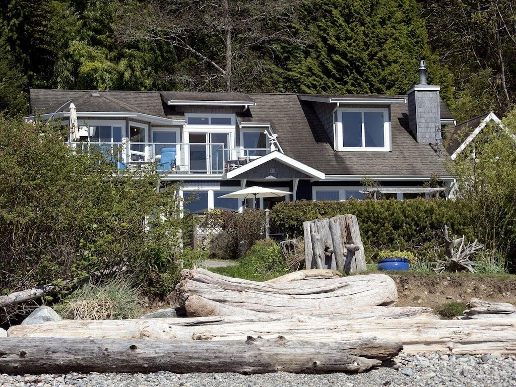 Sabie Seas beach house in Gibsons